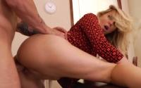 Julia Ann scopata per bene in ufficio dal suo capo cazzuto